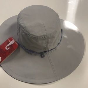 The North Face Accessories - 🆕 NORTH FACE Gray Big Brim Sun Shade Hat WOMENS